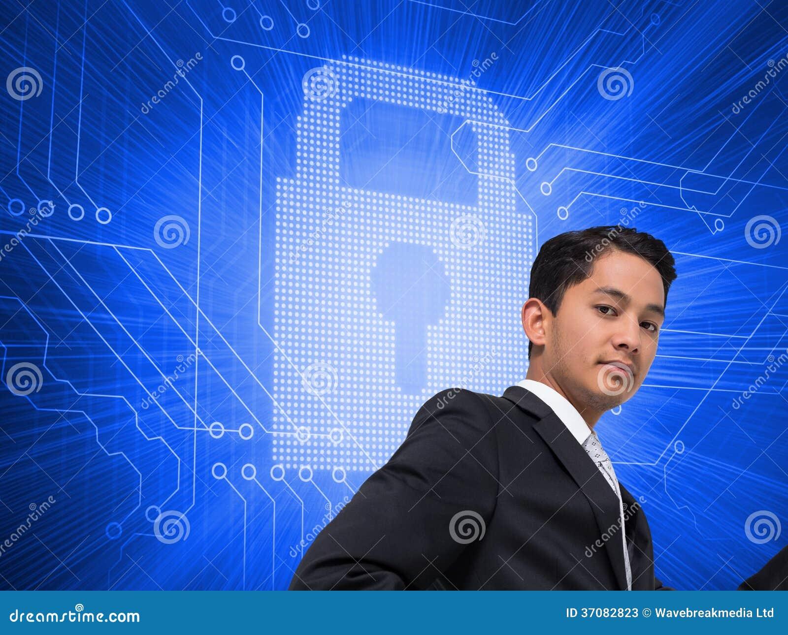 Download Unsmiling Azjatykci Biznesmena Wskazywać Obraz Stock - Obraz złożonej z kłódka, symbol: 37082823