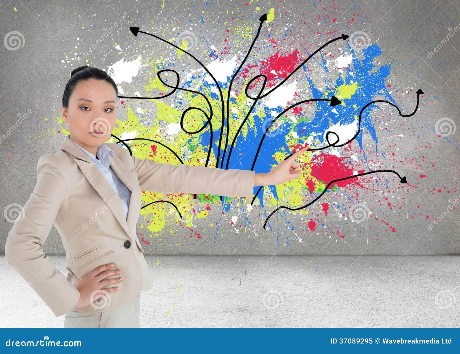 Download Unsmiling Azjatykci Bizneswomanu Wskazywać Obraz Stock - Obraz złożonej z przeplatany, azjata: 37089295
