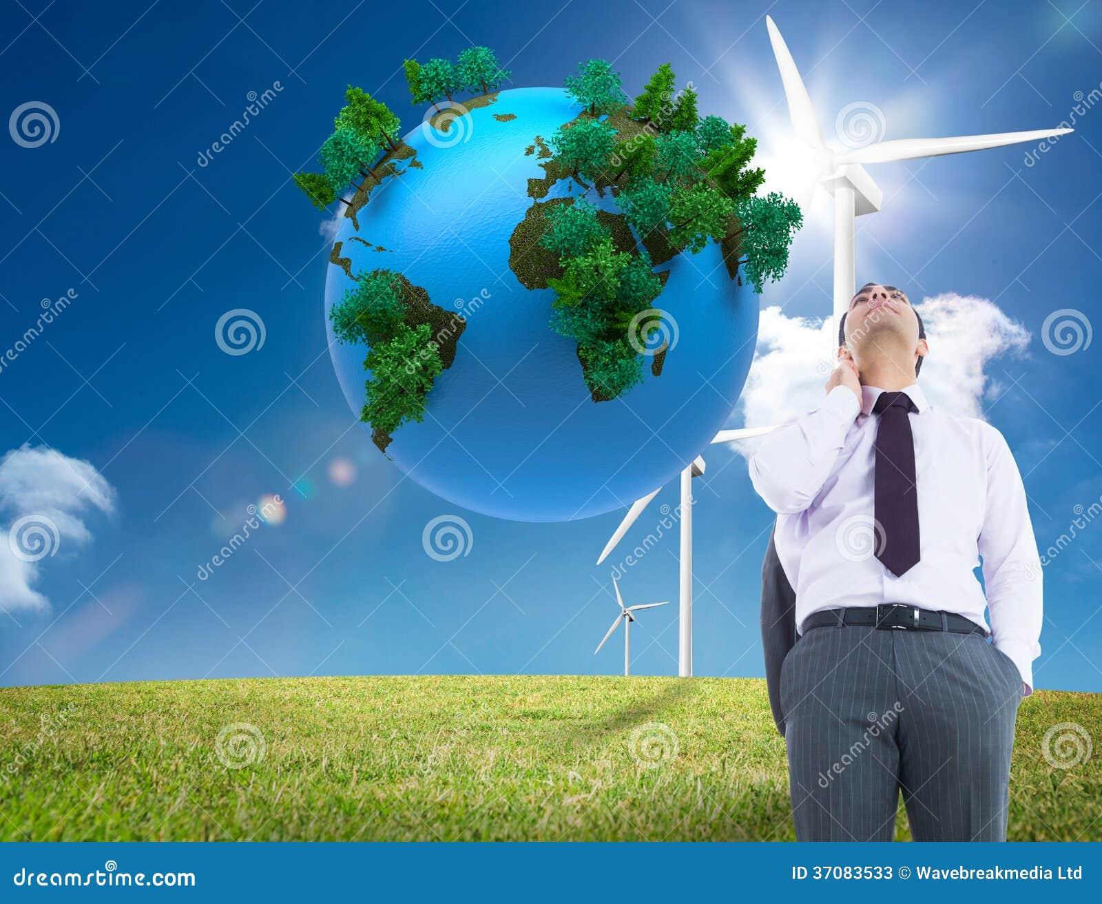 Download Unsmiling Biznesmen Pozycja Obraz Stock - Obraz złożonej z chmurny, rzeka: 37083533