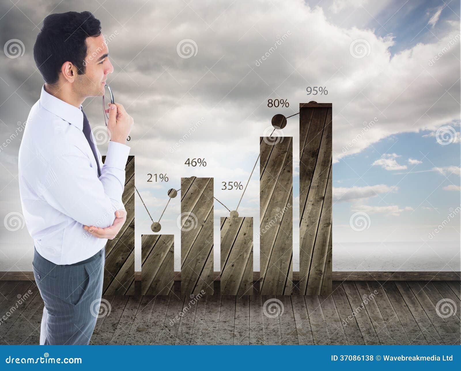 Download Unsmiling Biznesmen Trzyma Szkła Zdjęcie Stock - Obraz złożonej z odsetek, grafika: 37086138