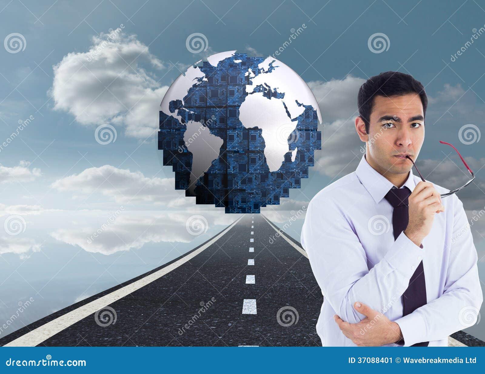 Download Unsmiling Biznesmen Trzyma Szkła Obraz Stock - Obraz złożonej z wytwarza, niebo: 37088401