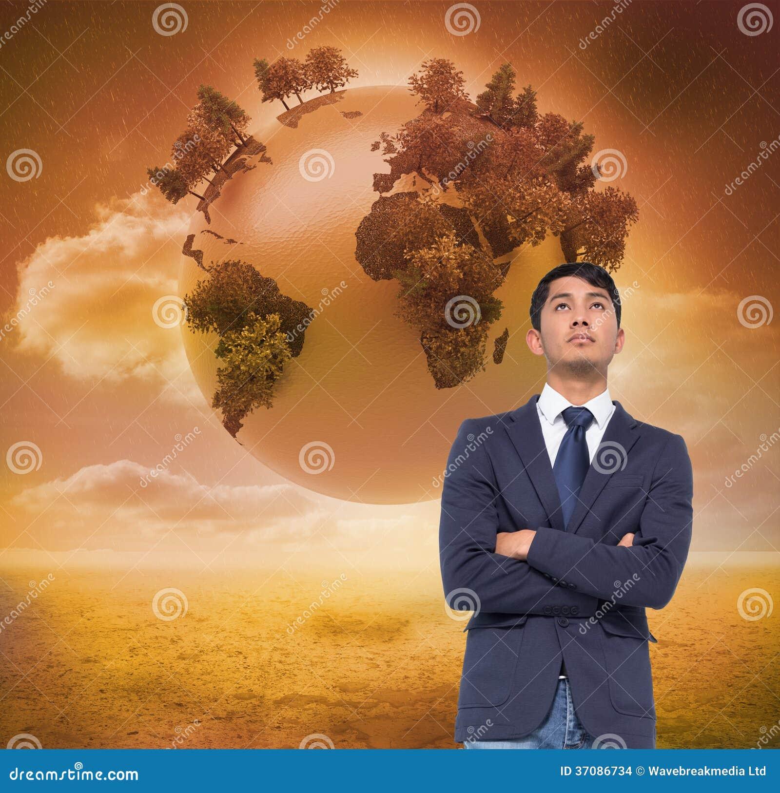 Download Unsmiling Przypadkowy Biznesmen Z Rękami Krzyżować Zdjęcie Stock - Obraz złożonej z tekstura, digitise: 37086734