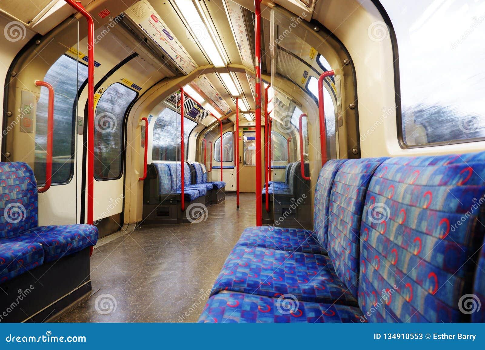 Untertägige leere zentrale Linie carriageL Londons