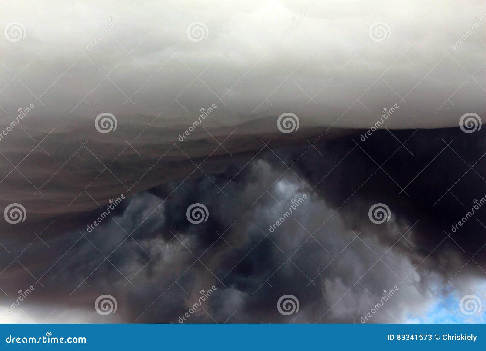 Unusual Clouds: Mammatus