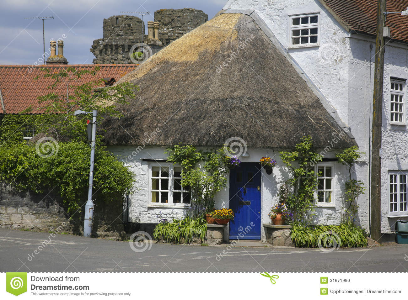 round shaped thatched roof house stock photo image 31671990