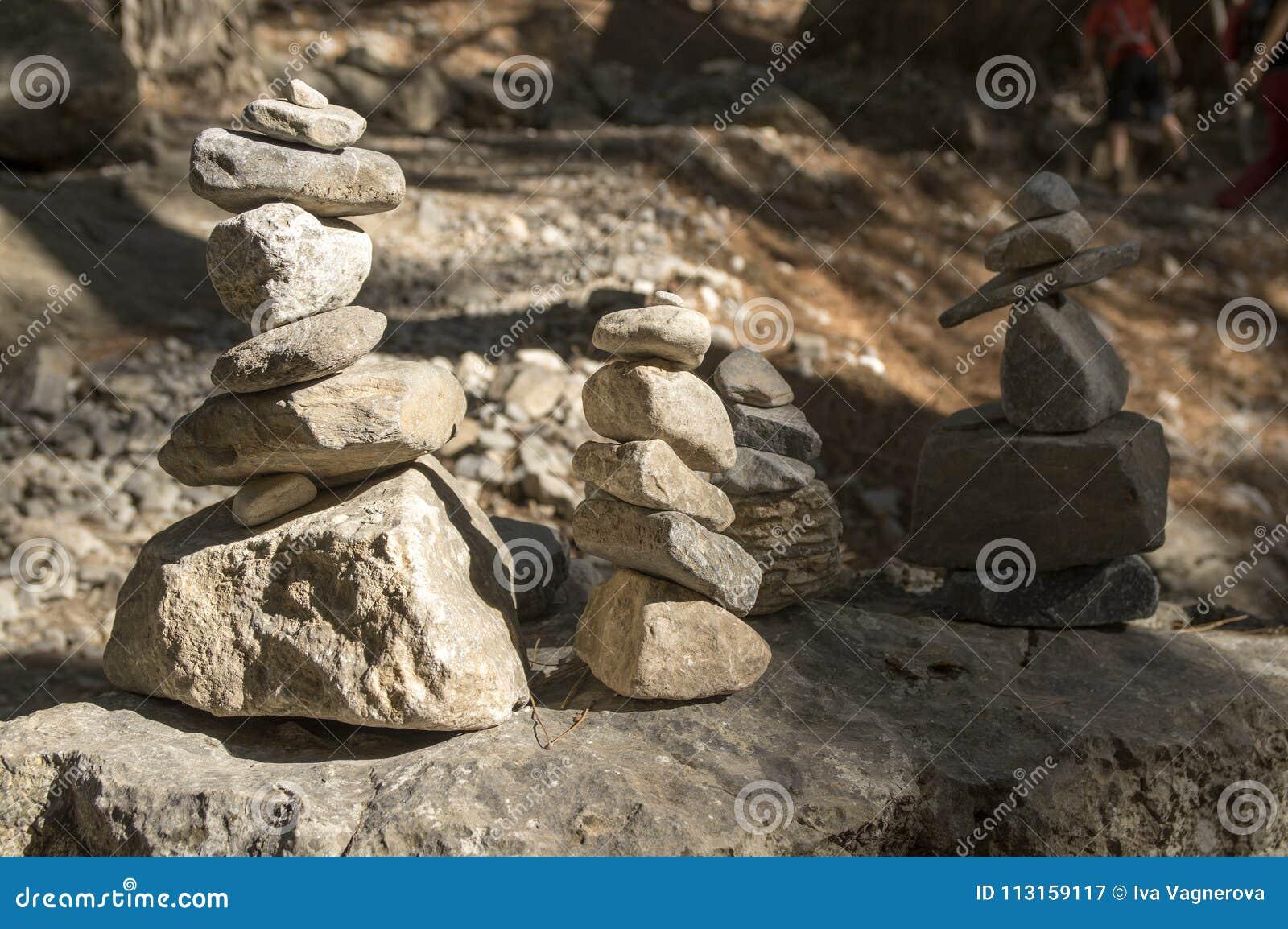 Uomini di pietra in Samaria Gorge sull isola di Creta