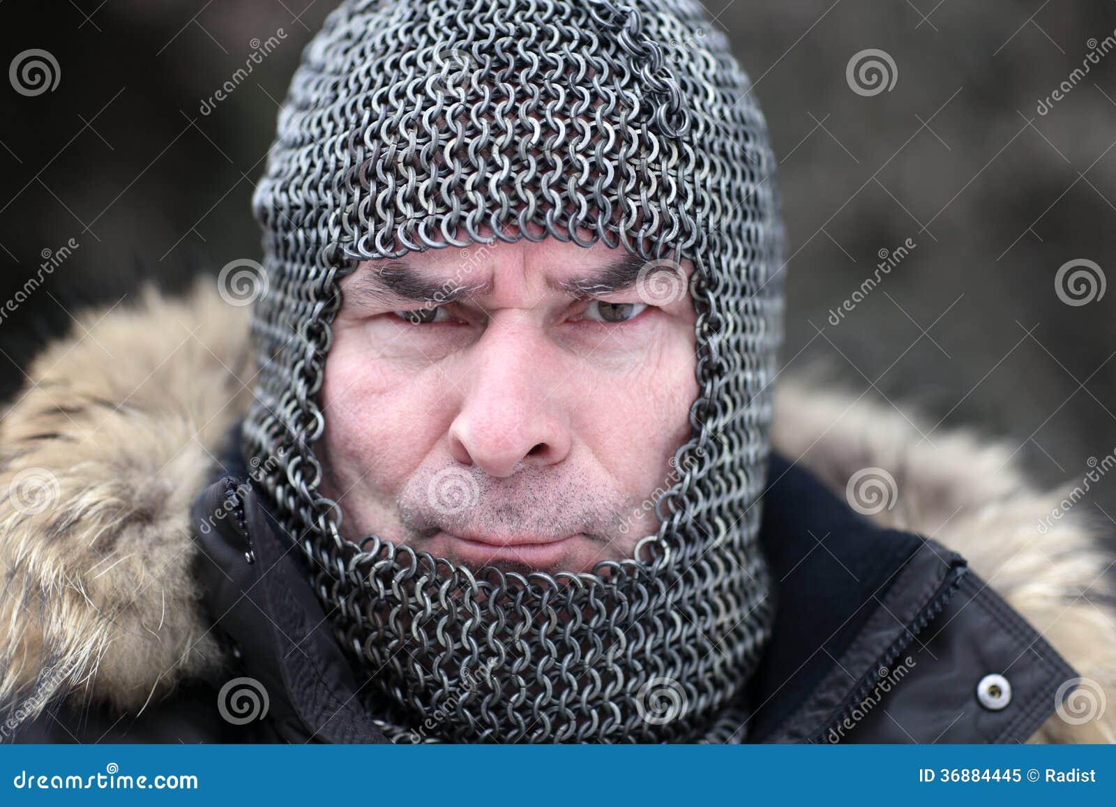 Download Uomo Arrabbiato In Armatura Immagine Stock - Immagine di umano, civilizzazione: 36884445