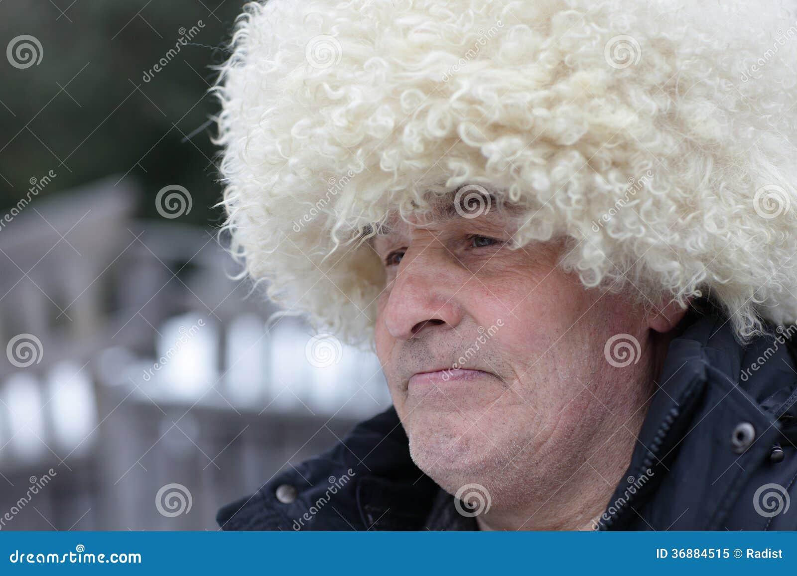 Download Uomo in cappello caucasico immagine stock. Immagine di caucasico - 36884515