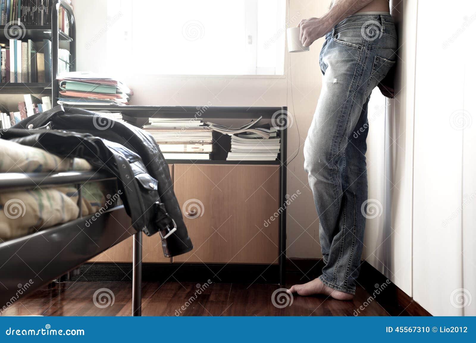 Camera letto uomo - La finestra della camera da letto ...