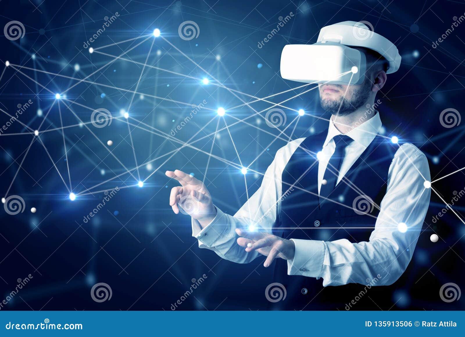 Uomo che tocca i segni di connettività 3D e della rete