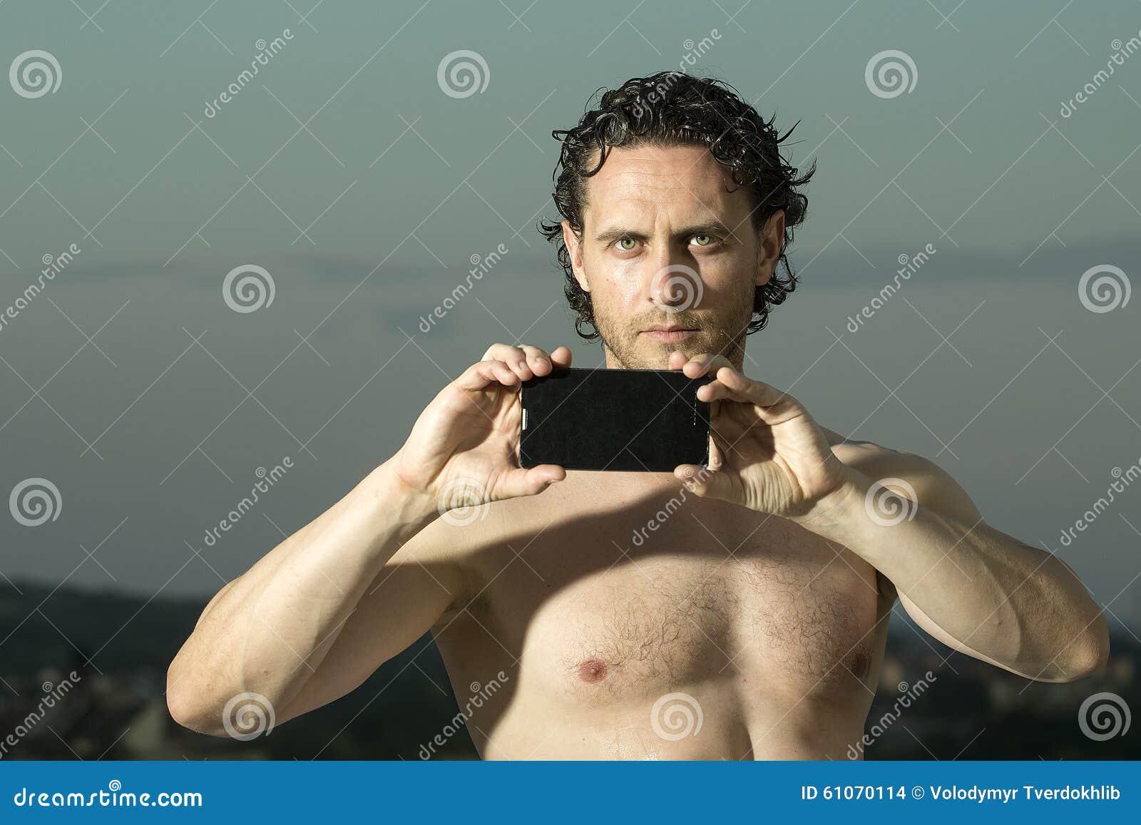 Uomo Con Il Telefono Cellulare Fotografia Stock Immagine Di