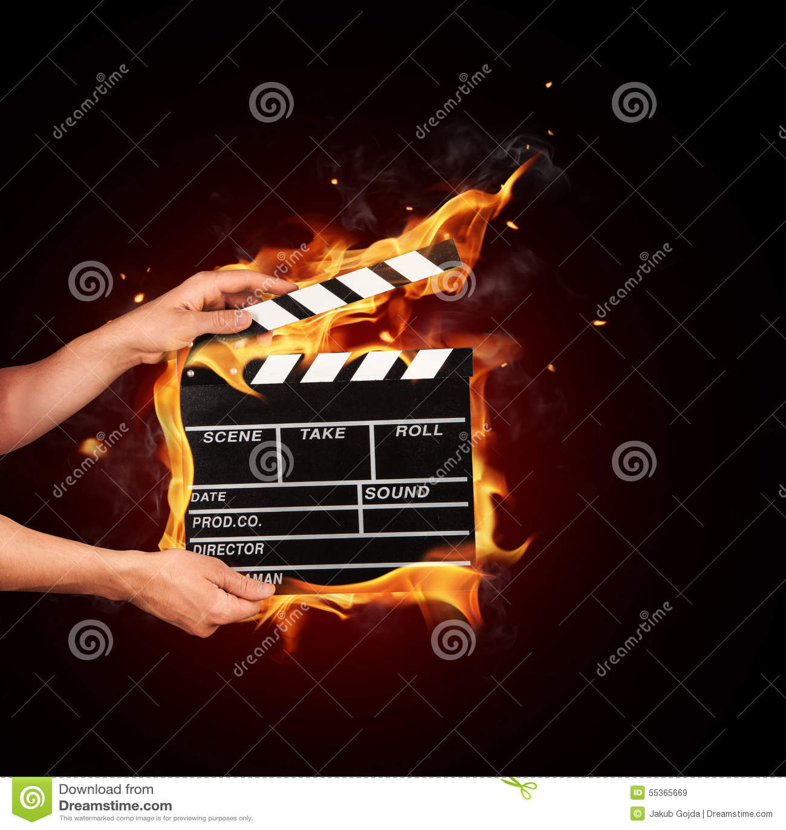 Uomo con la valvola del film in fuoco