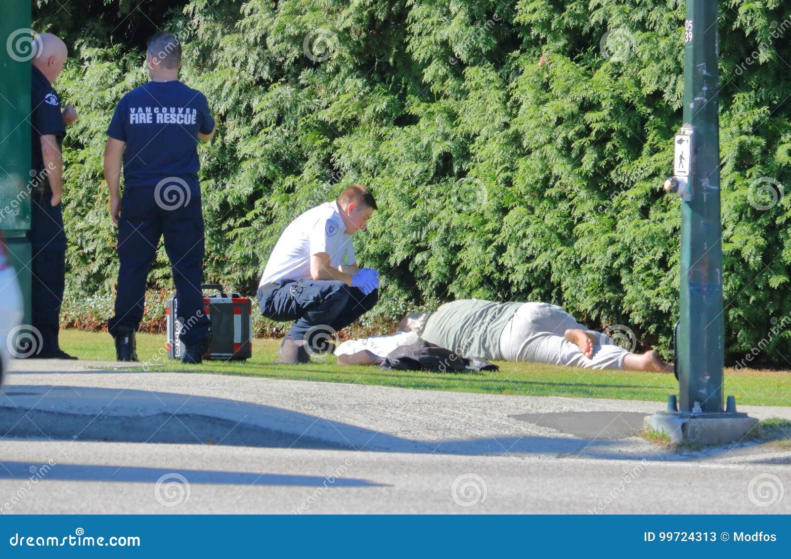 Uomo crollato in via di Vancouver