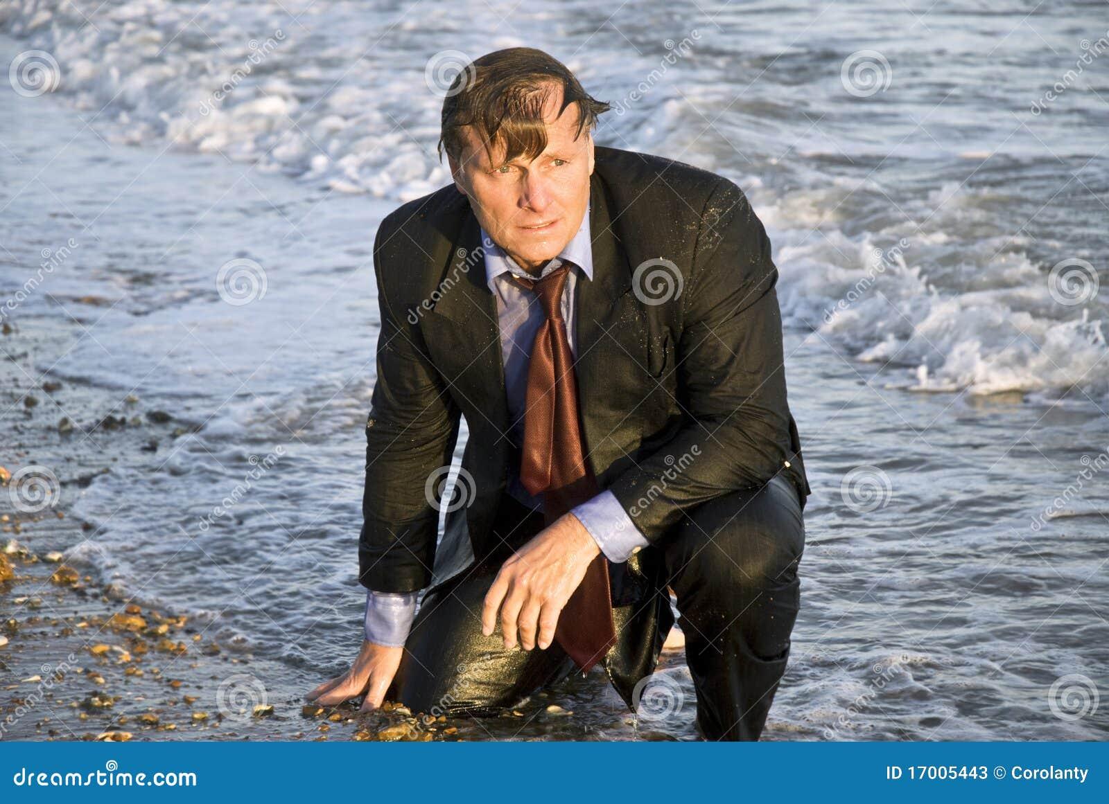Uomo d affari bagnato depresso