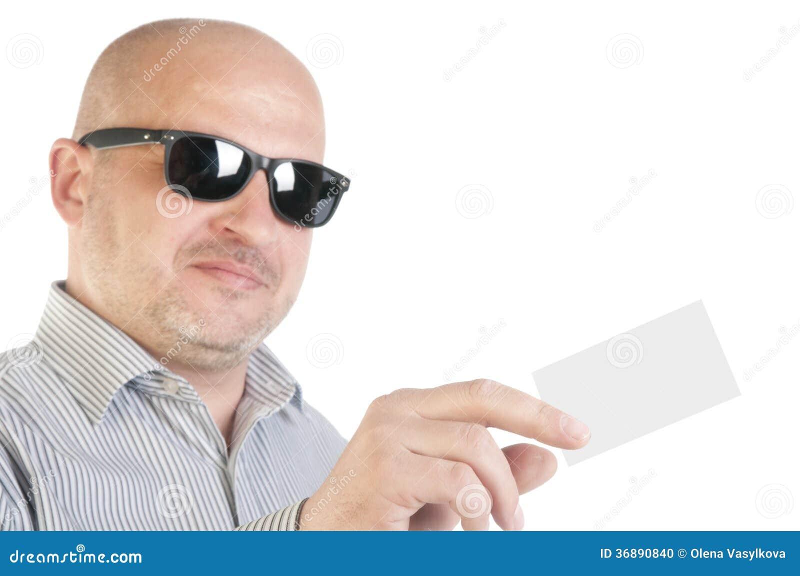 Download Uomo D'affari Che Tiene Un Biglietto Da Visita In Bianco Fotografia Stock - Immagine di adulto, dare: 36890840