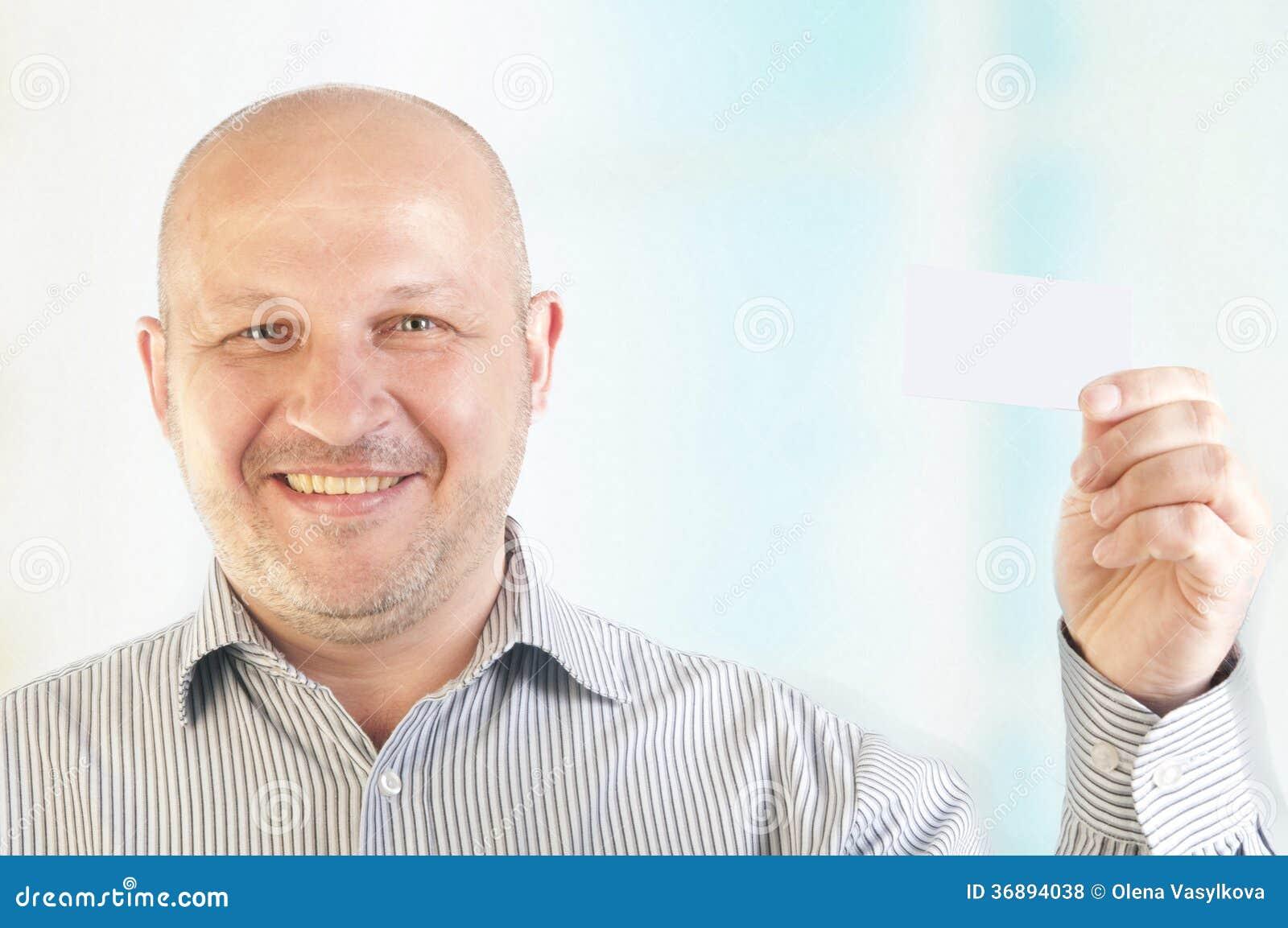 Download Uomo D'affari Che Tiene Un Biglietto Da Visita In Bianco Fotografia Stock - Immagine di blank, copia: 36894038