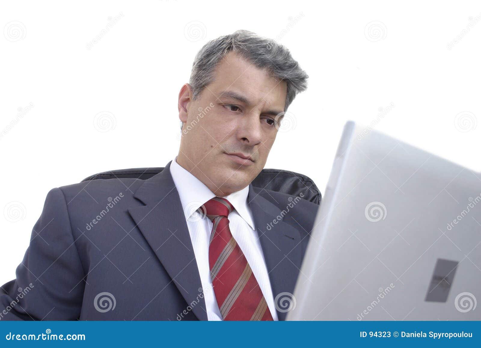 Uomo d affari con il computer portatile