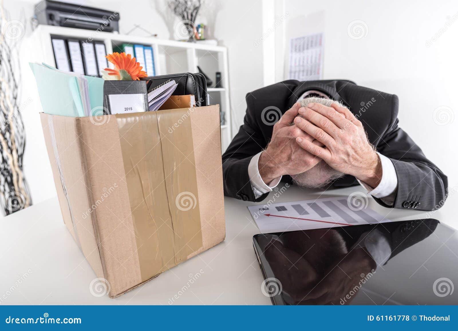 Uomo d affari infornato a causa di cattivi risultati