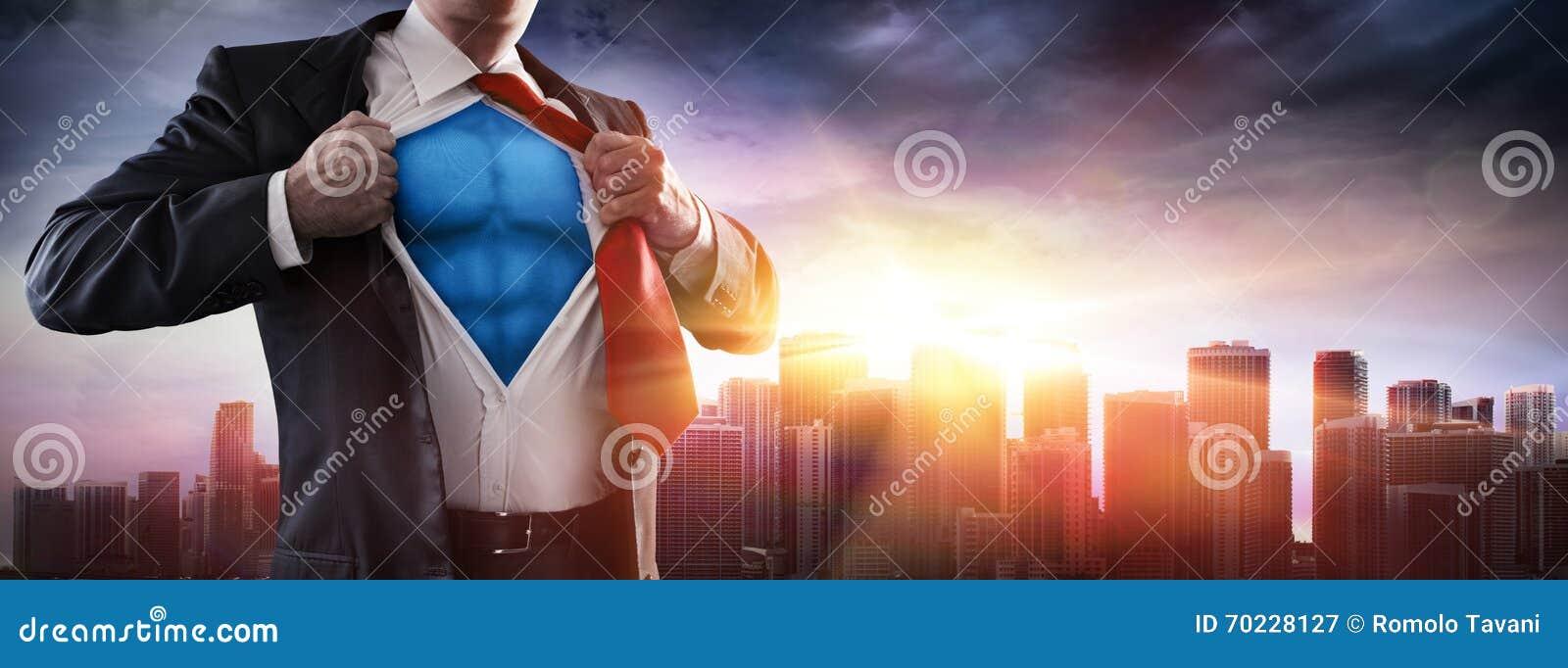 Uomo d affari Superhero With Sunset