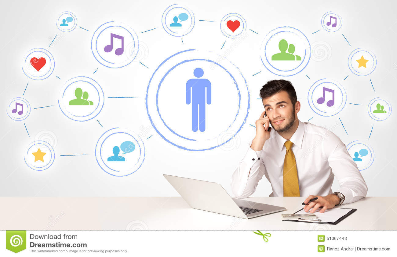 Uomo di affari con il fondo sociale del collegamento di media