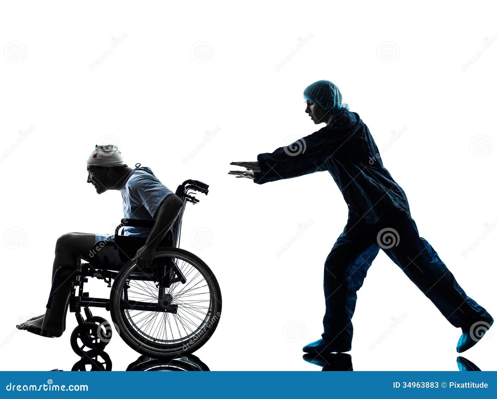 Uomo divertente danneggiato in sedia a rotelle che sfugge for Fisico sedia a rotelle