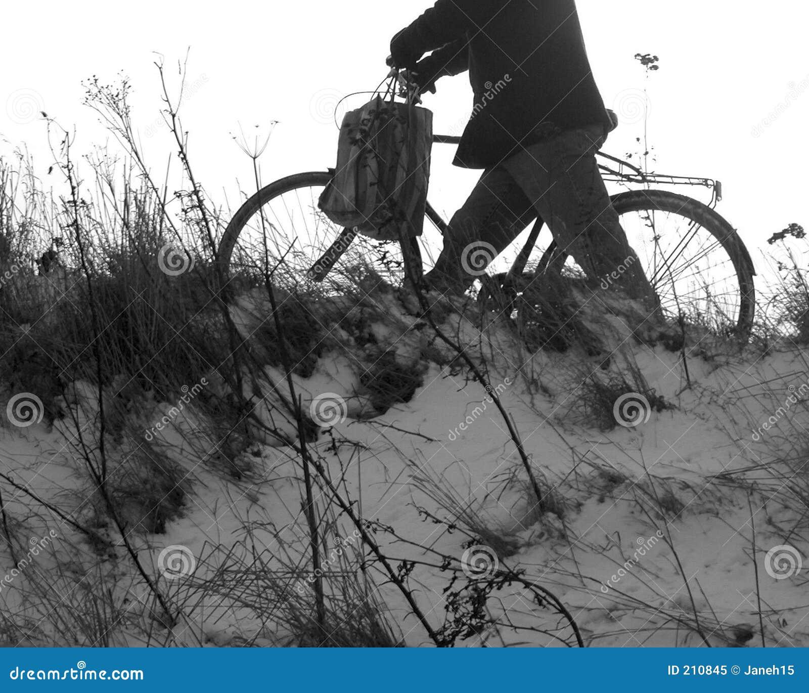 Uomo e bici