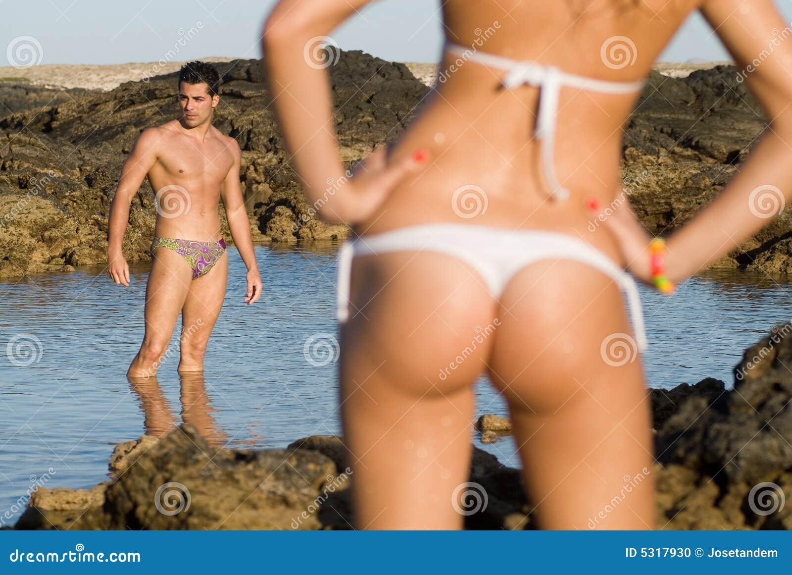 Download Uomo E Donna Nella Spiaggia Fotografia Stock - Immagine di mare, naughty: 5317930