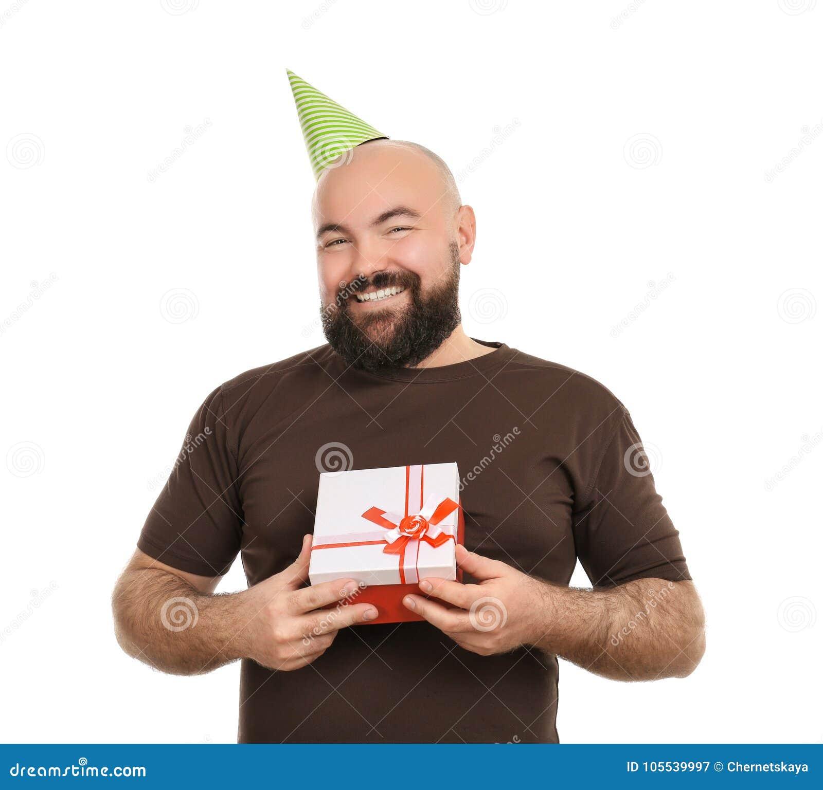 Uomo Grasso Divertente Con Regalo Di Compleanno Su Fondo
