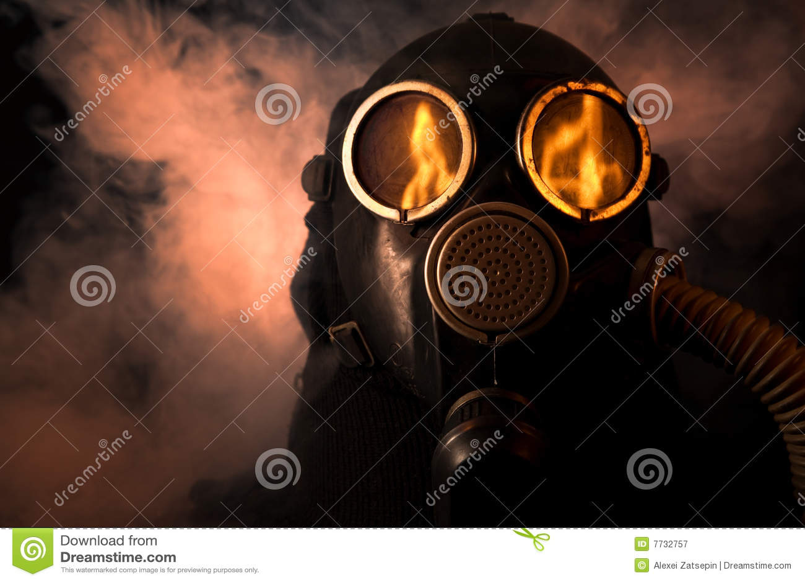 Uomo in maschera antigas
