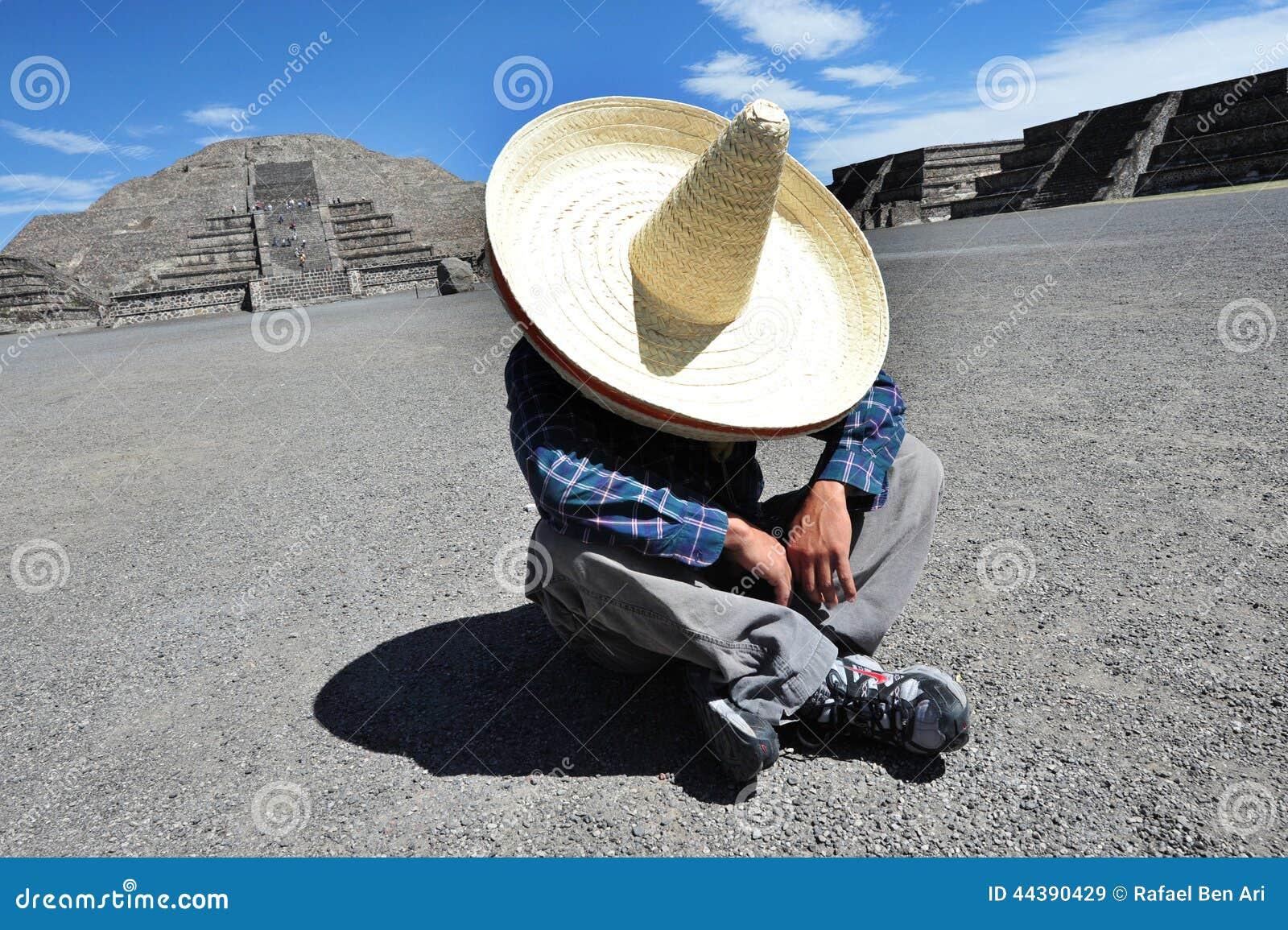 uomo messicano che ha una siesta immagine stock editoriale immagine 44390429. Black Bedroom Furniture Sets. Home Design Ideas