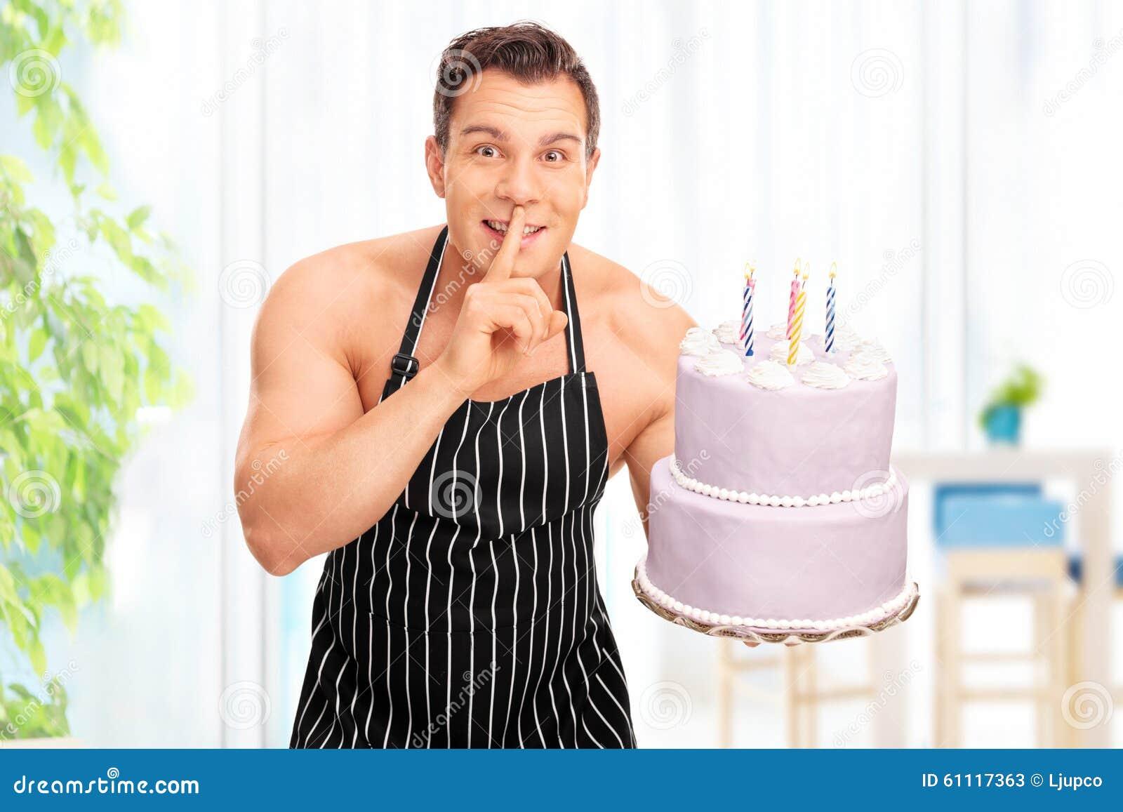 Conosciuto Uomo Nudo Che Tiene Una Torta Di Compleanno Immagine Stock  DE87