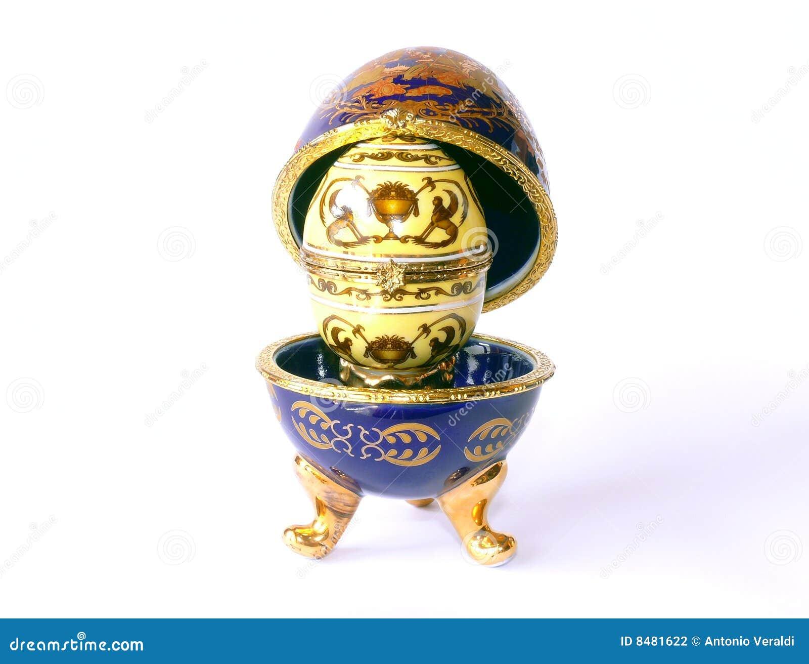 Uova Di Pasqua Ceramica.Uova Di Pasqua Di Ceramica Fotografia Stock Immagine Di Uova 8481622