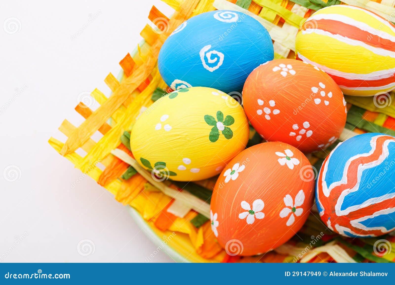 Uova di pasqua dipinte a mano immagini stock libere da - Uova di pasqua decorati a mano ...
