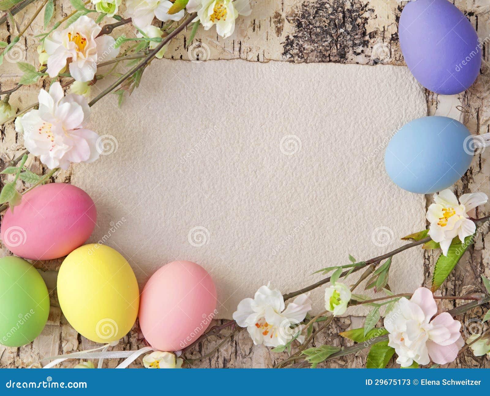 Uova di Pasqua E nota in bianco