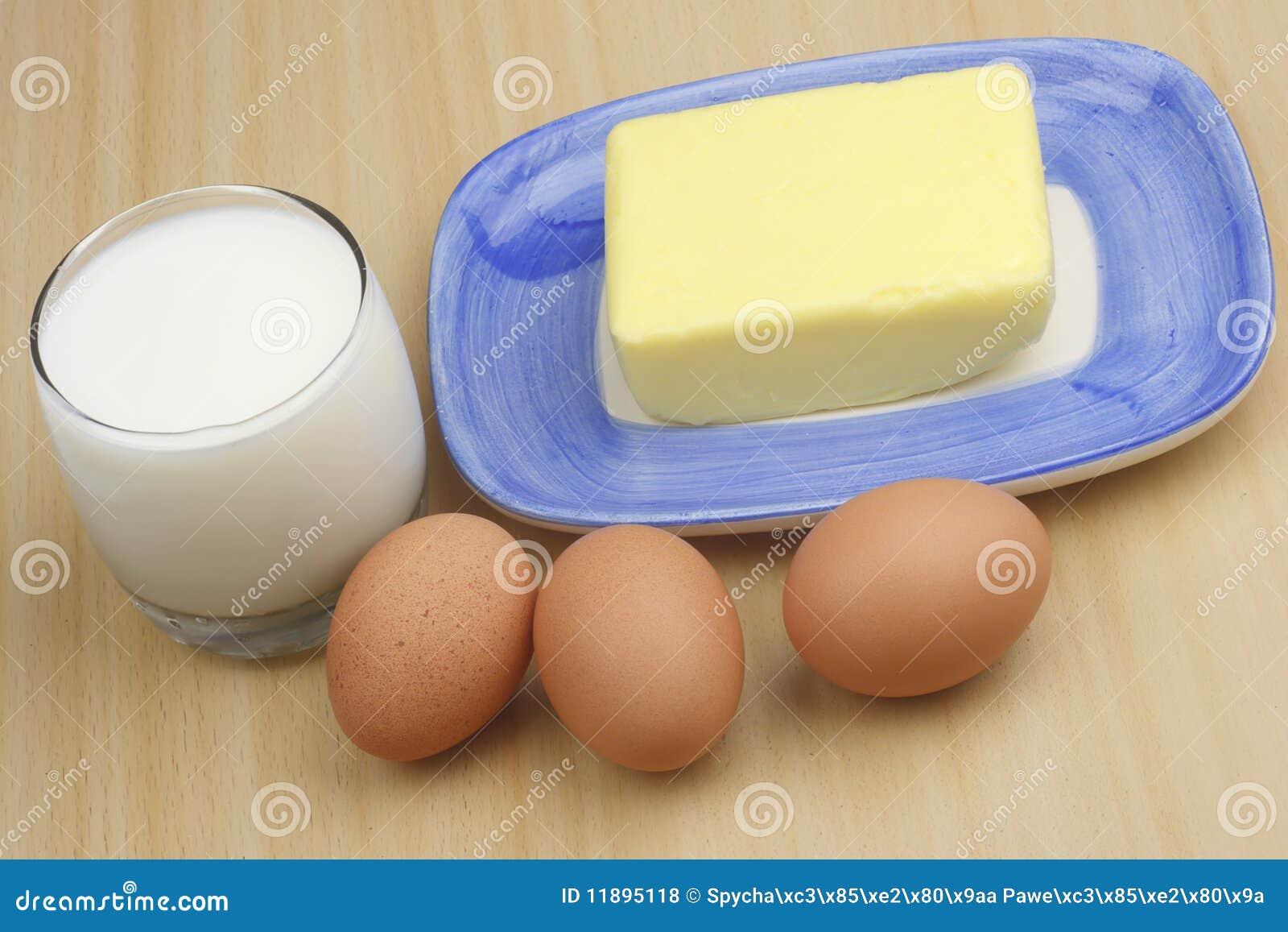 Latte E Burro.Uova Latte E Burro Fotografia Stock Immagine Di Podere