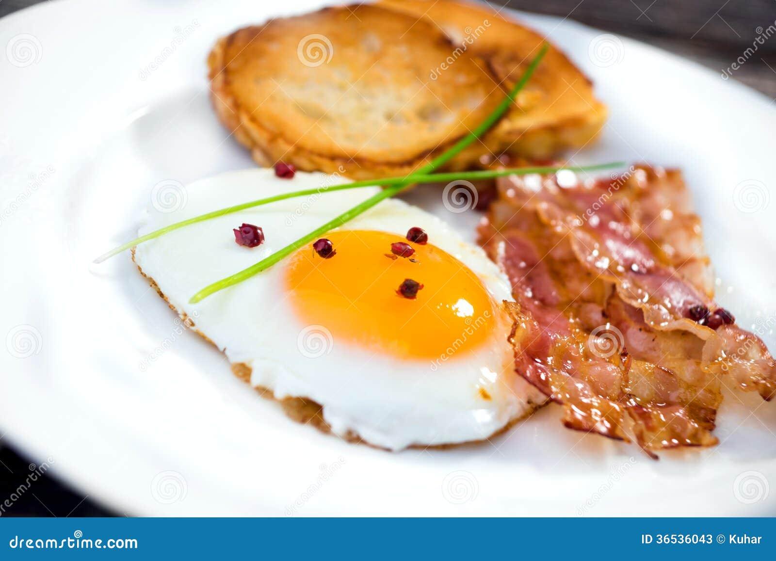 Uovo fritto con bacon