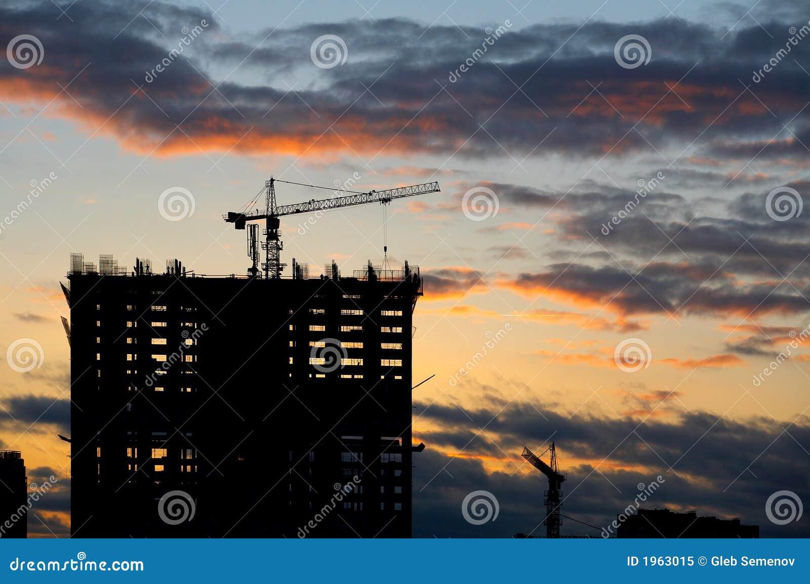 Upadek konstrukcji budynku
