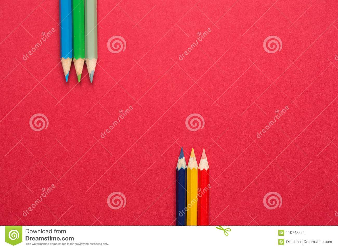 e84df6e6b97 Upper And Lower Rows Of Multicolored Pencils In Parallel Position ...