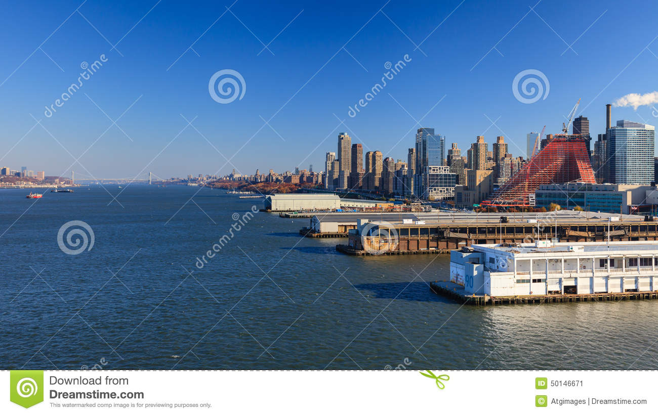 Upper manhattan skyline editorial photo image of for How far is hudson ny from nyc
