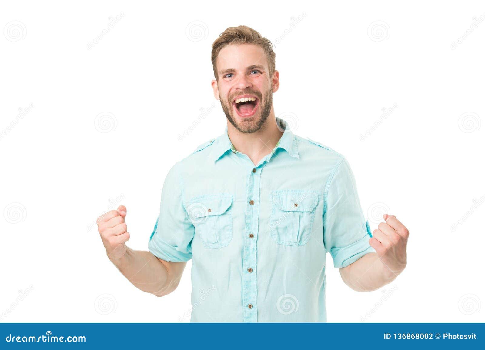 Uppnå framgång Man med skägget som är lyckligt om lösning Fira det bra resultatet all problemlösning Fyndlösning