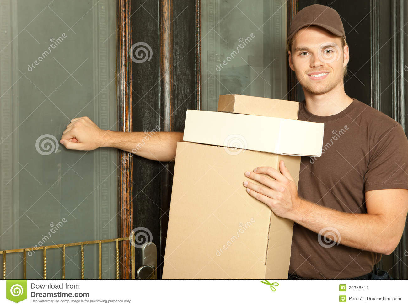 Upptagen deliveryman