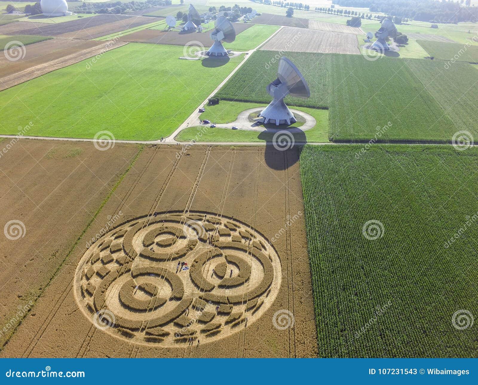 Uprawa okrąg w polu uprawnym blisko Rasiting