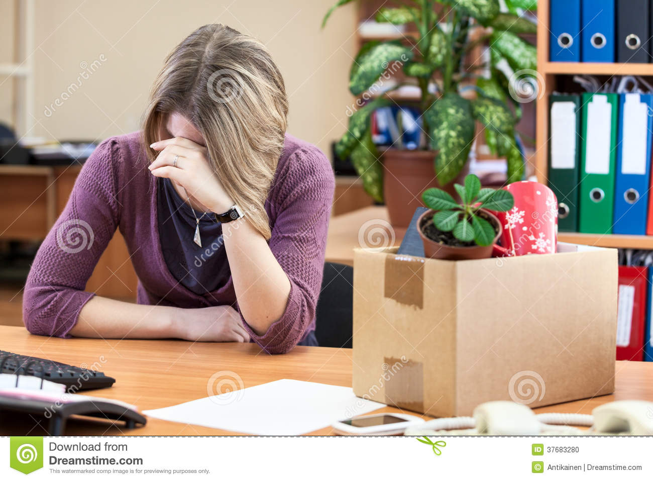 Office Employee Crying - newhairstylesformen2014.com