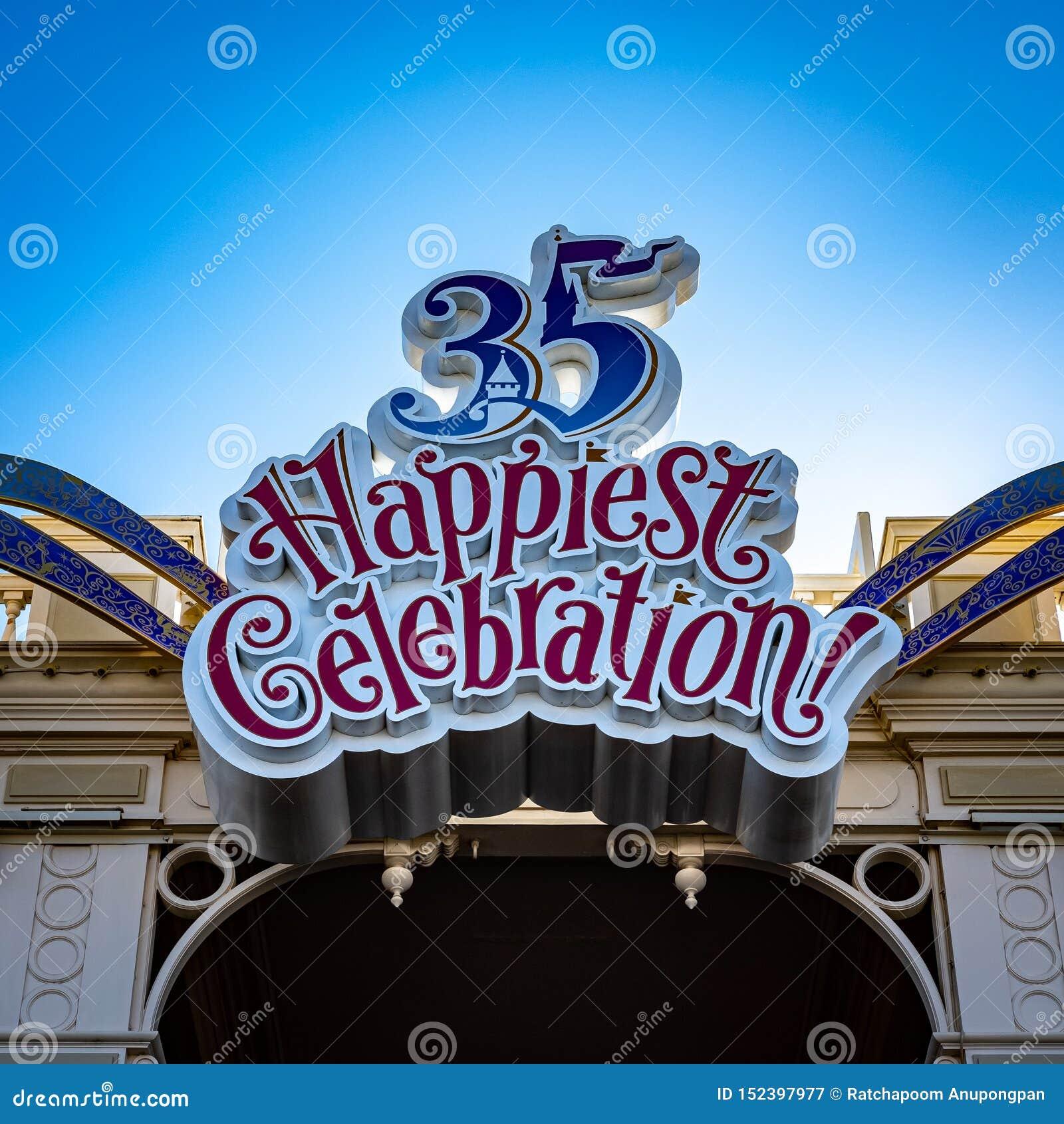Urayasu, Chiba/Japan-Januari 15 2019: 35 Gelukkigste Viering Tokyo Disneyland
