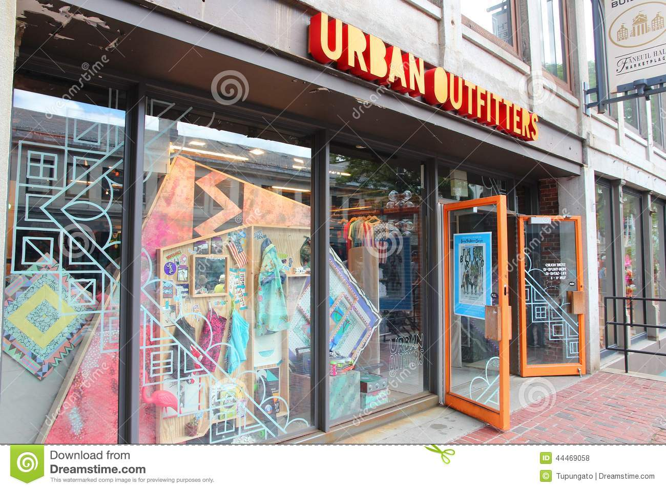 Urban Outfitters USA. The operation of Urban Outfitters in the US is natural. Urban Outfitters USA has a network of shops, which you can find in majority of American towns, maybe even in your own. You can find a complete list of shops, opening hours and maps below on this page. Urban Outfitters online store.