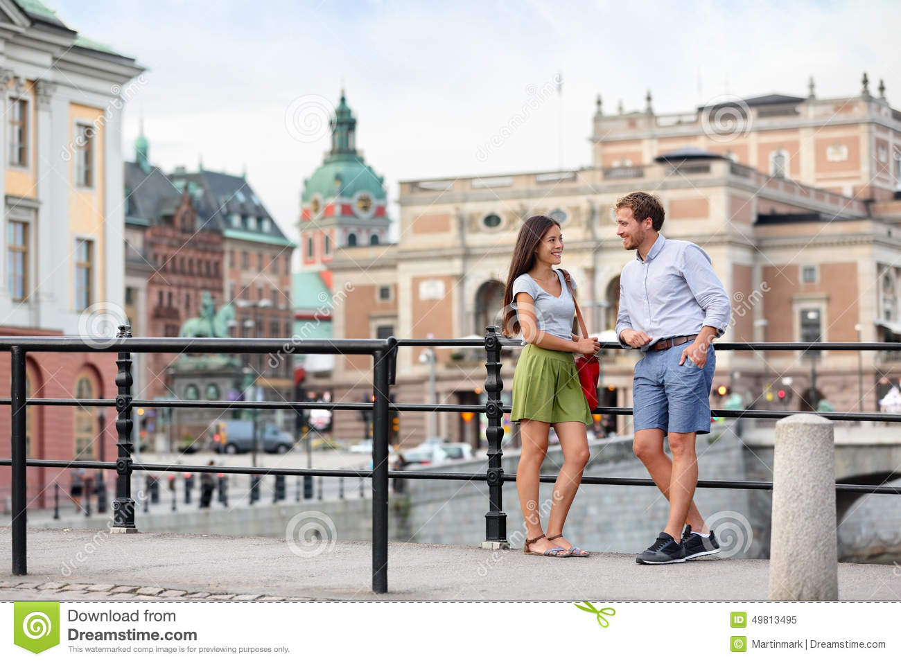 Urban people lifestyle - young couple in Stockholm