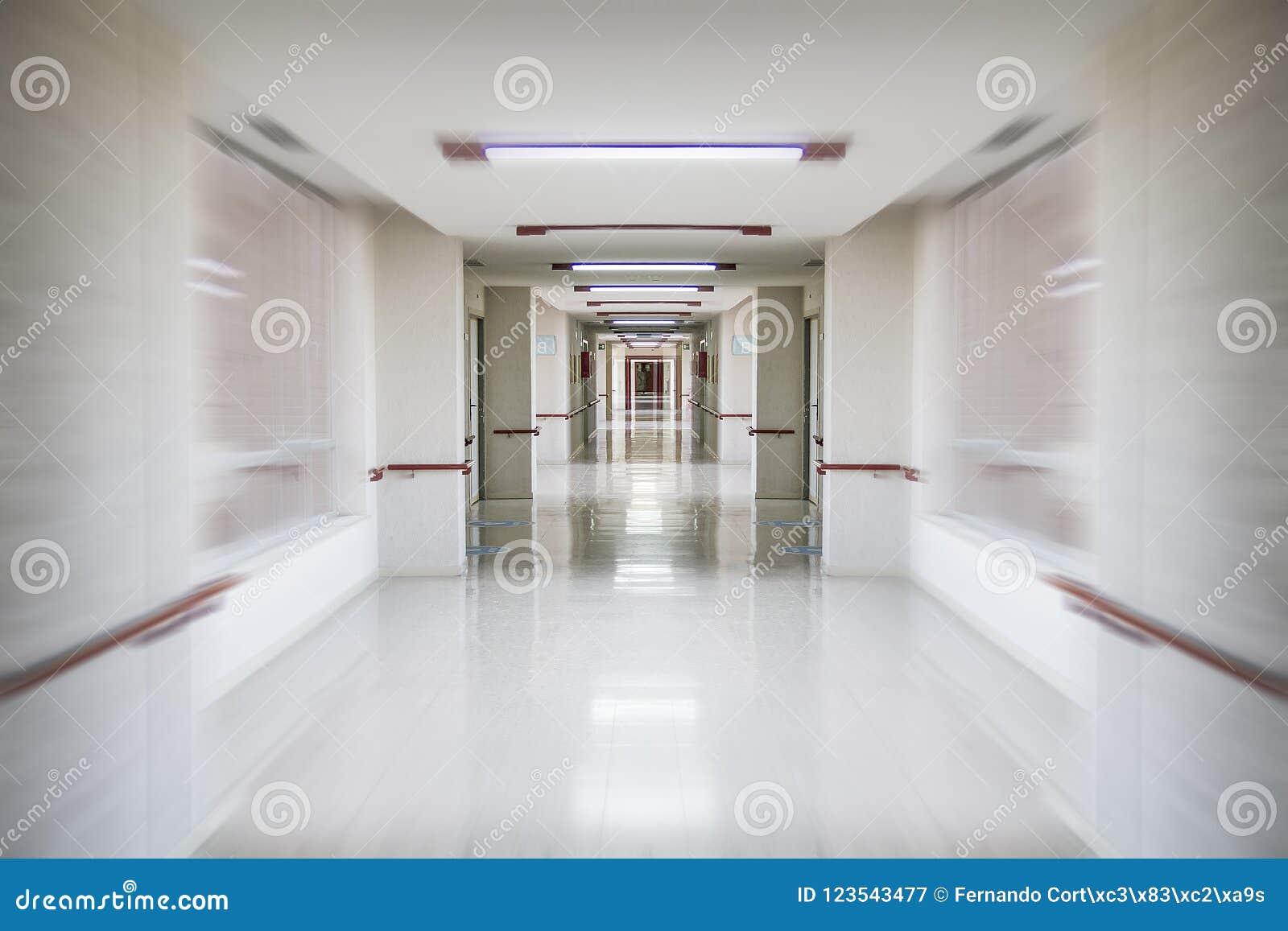 Urgences, espace de couloir d hôpital, propre et hygiénique blanc,
