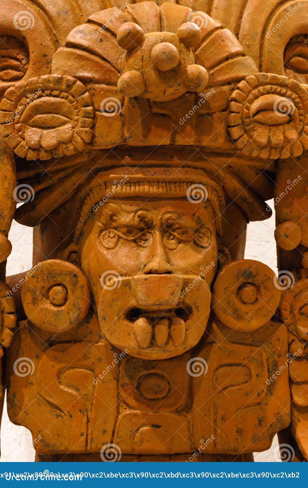 Urna funerária antiga de Zapotec sob a forma de uma deidade