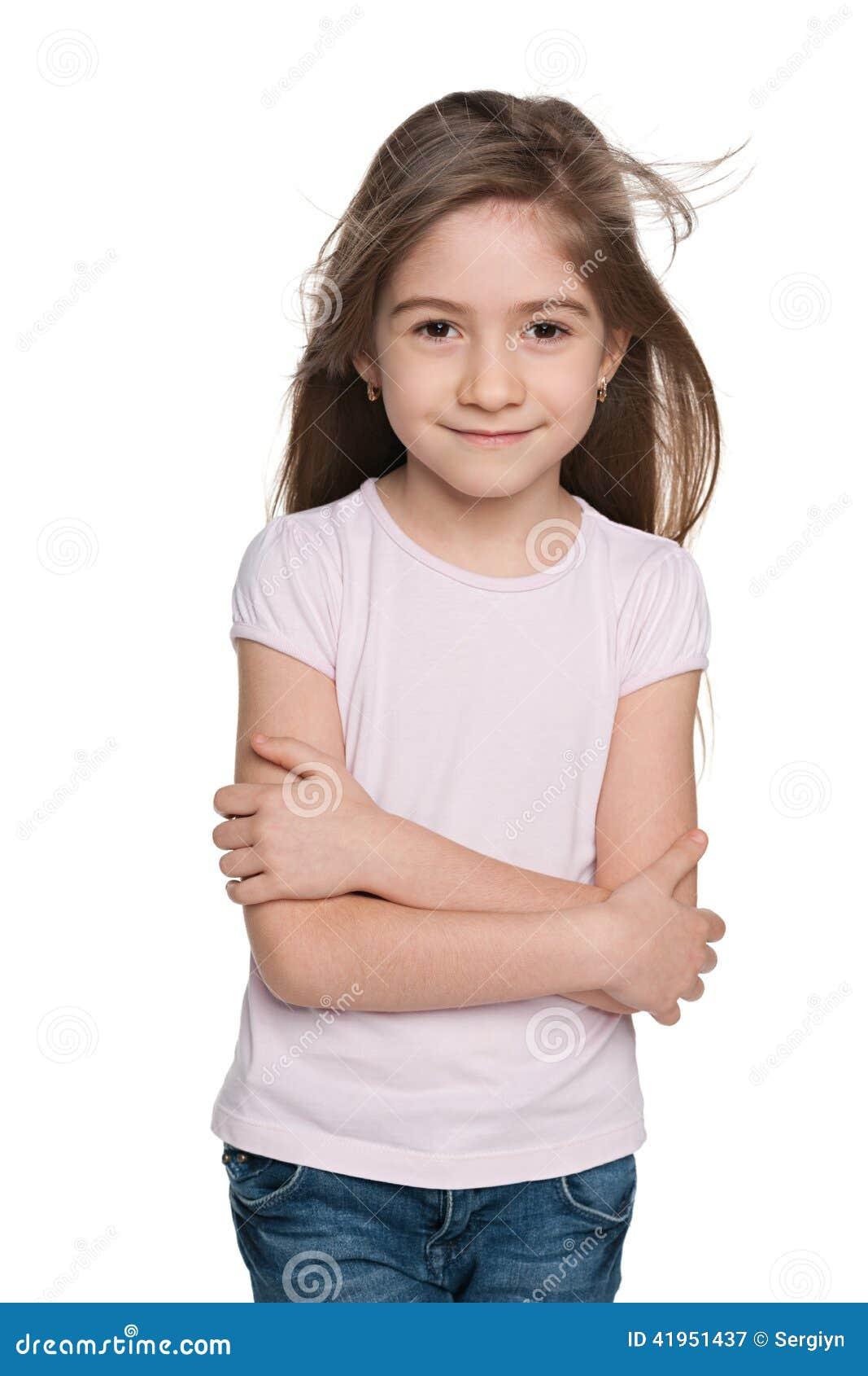 Urocza mała dziewczynka przeciw bielowi