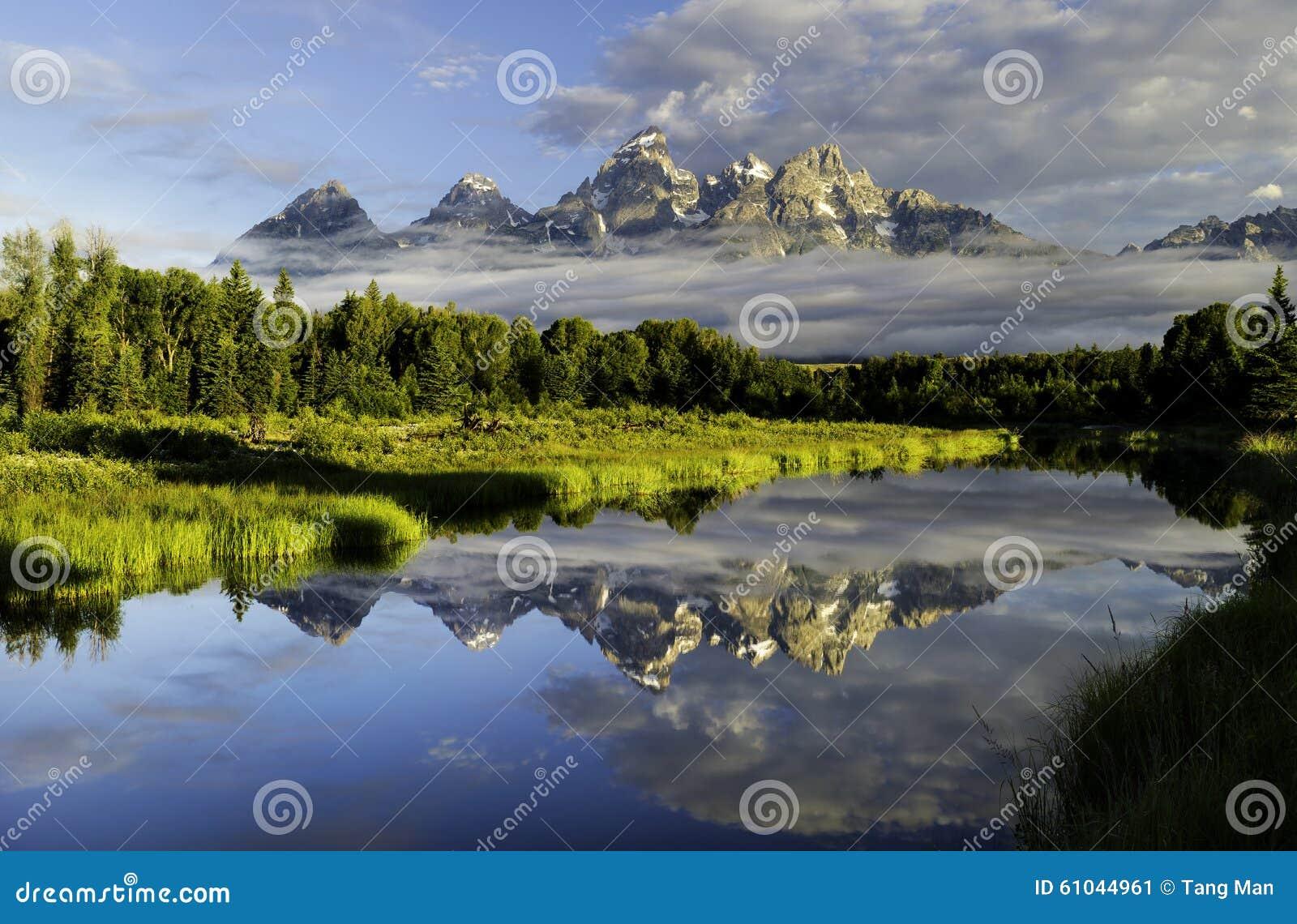 Uroczyste Tetons góry w Wyoming
